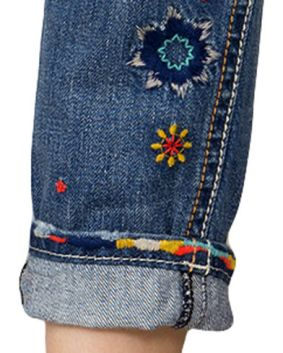 Country Outfitter Boyfriend Jeans